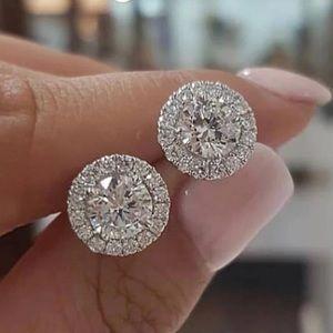 ❤️NEW Brilliant Cut 18K Diamond Halo Stud Earring